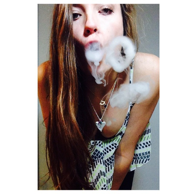 #smokerings #vapelife #vape #girlswhosmoke #vapershouts #dripgirls