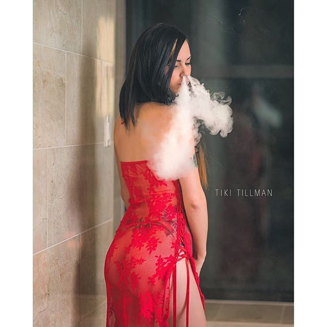 Sexy lady in red.@lilmisscloud ?: @tikitillman