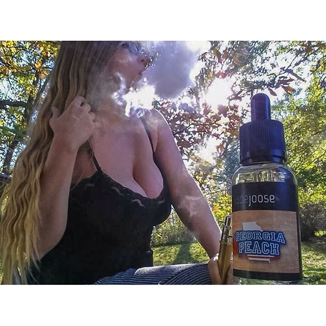 Peachy keen #vape #girlswhovape #vapeon #vapefam #vapelife #vapeporn #vapeandboobs #vapecommunity #vapestagram #chickswithwicks #eliquid #ejuice #midwestvapers #subohm #driplife #jooselife
