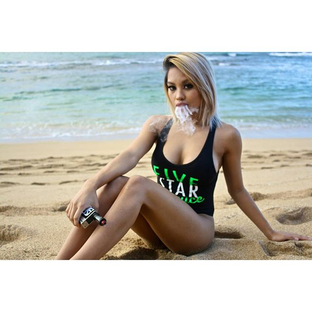 @fivestarjuice minty coco is perfect for the holiday season ??, a classic mint and chocolate combo ? __ #shykane #shykaneofficial #vapemodels #vapeporn #boobsandvapes #hawaiivapers #vapefam #vapelife
