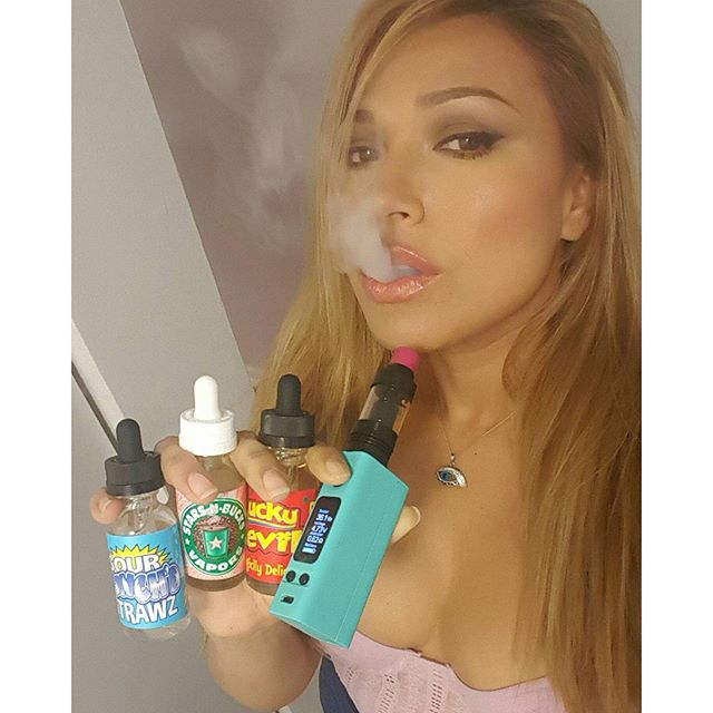 Thanks guys @starsnbucksvapor  #bdvl#bdv#bluedreamvapor#_modmen_#vappix#worlwide_vape#vapeporn#vapers#vape#vapelife#vapelyfe#ejuice#VapeAllDay#VapeDaily#vapelove#guyswhovape#CloudChaser#vapecapitol#ModHandCheck#NotBlowingSmoke#vapeswag#dripclub#vapemagazine#stay100#girlwhoswhodrip#guyswhodrip#vapercommunity#girlswhovape#vapemodels#girllikegirl#vapemodels